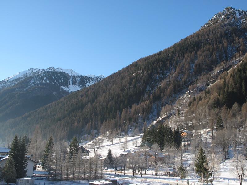 italian alps at christmas