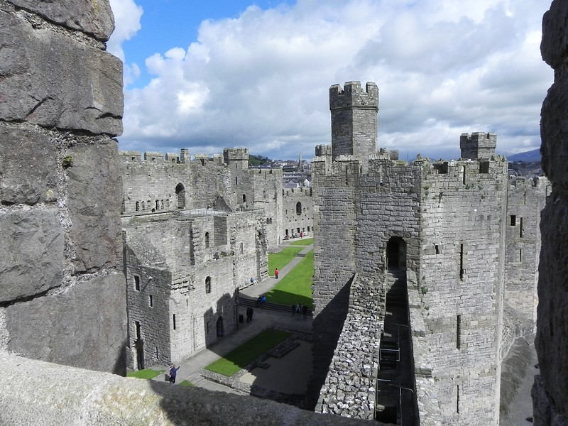 european monuments caernarfon castle