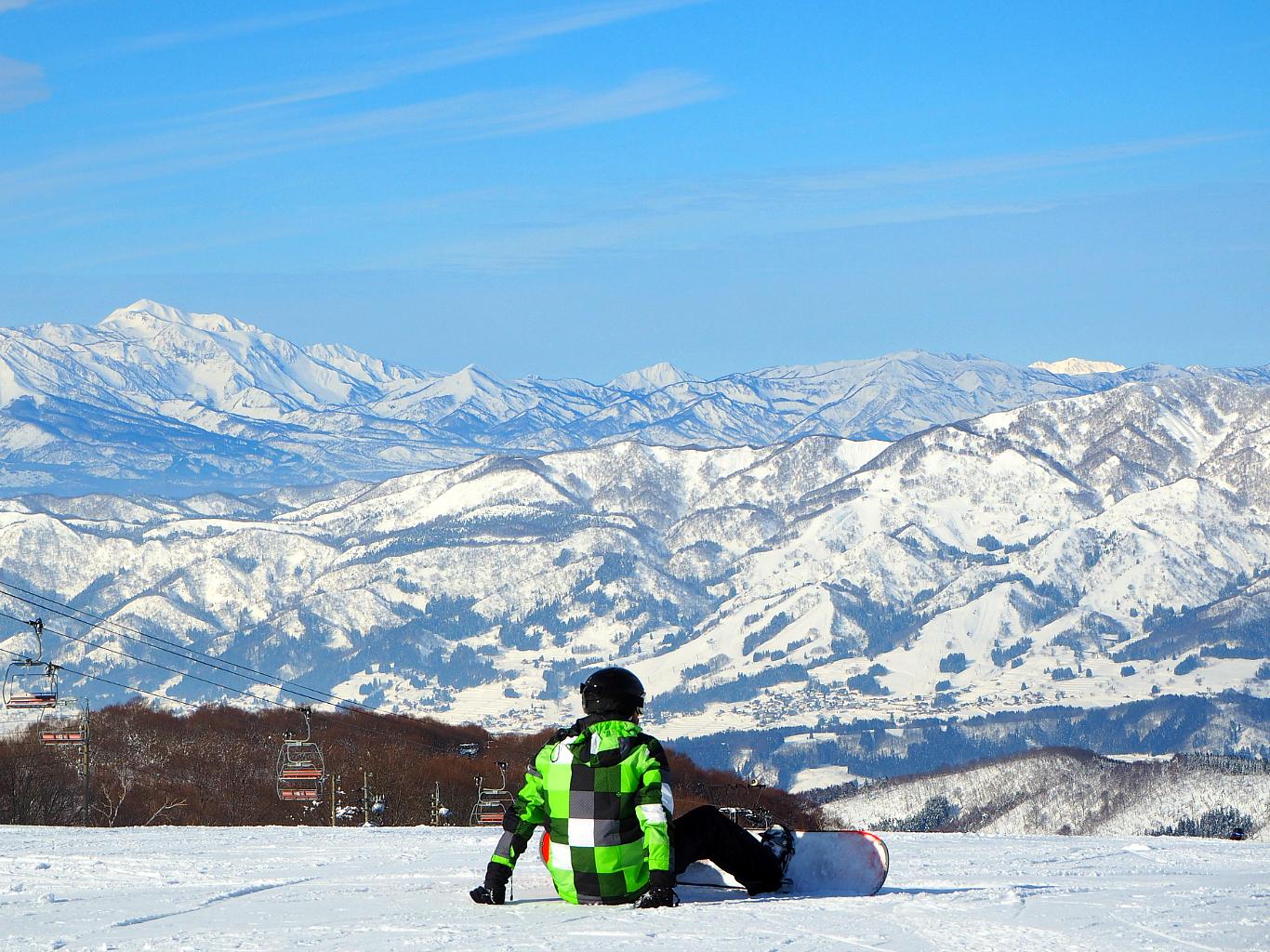 nozawa onsen japan skiing
